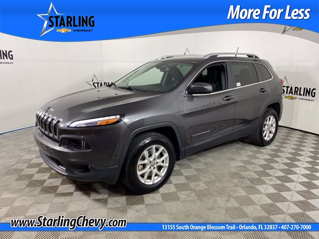 Pre-Owned 2017 Jeep Cherokee Wagon 4 Dr.