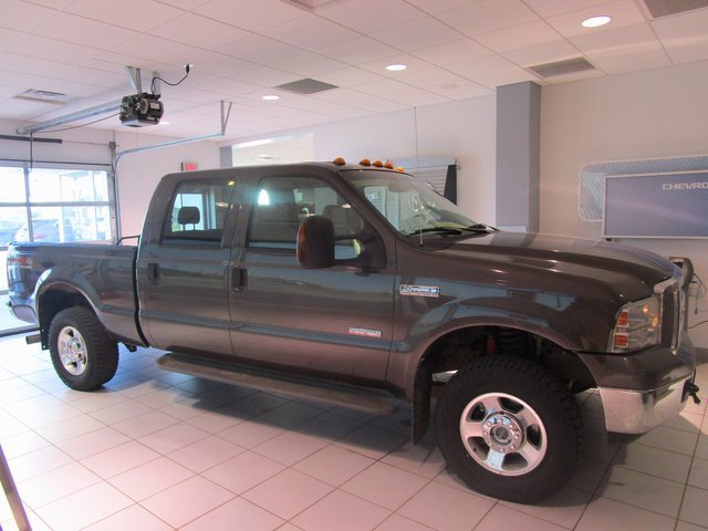 Pre-Owned 2005 Ford Super Duty F-250 4x4 Crew Pickup