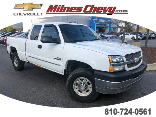Pre-Owned 2004 Chevrolet Silverado 2500 HD LS 4WD Extended Cab