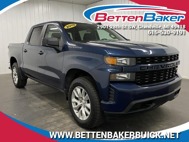 Pre-Owned 2019 Chevrolet Silverado 1500 Custom 4WD Crew Cab