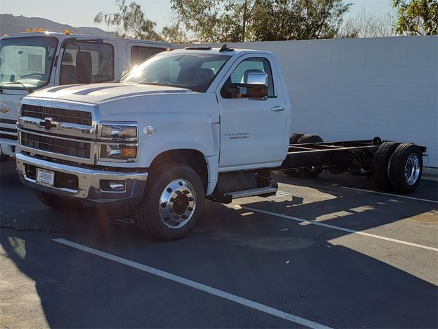 2020 Chevrolet Silverado 6500 HD Work Truck