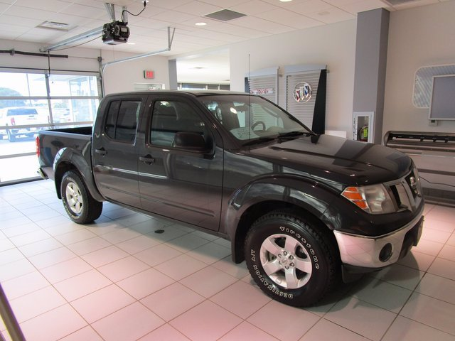 Pre-Owned 2010 Nissan Frontier NA Crew Pickup