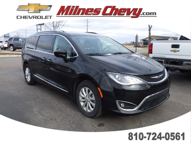 Pre-Owned 2019 Chrysler Pacifica Sports Van