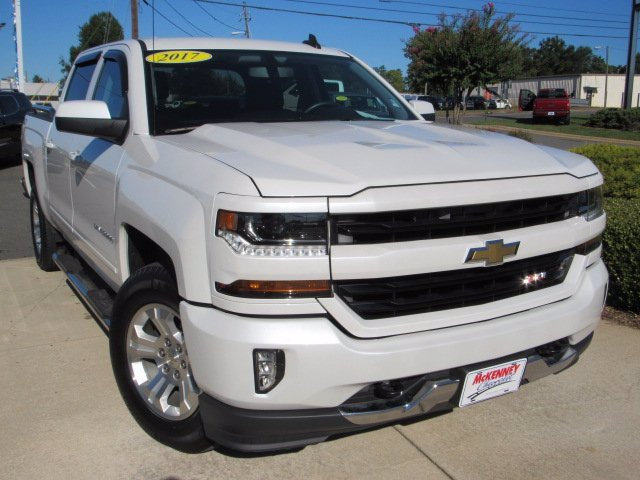 Pre-Owned 2017 Chevrolet Silverado 1500 LT FOUR_WHEEL_DRIVE Crew Cab
