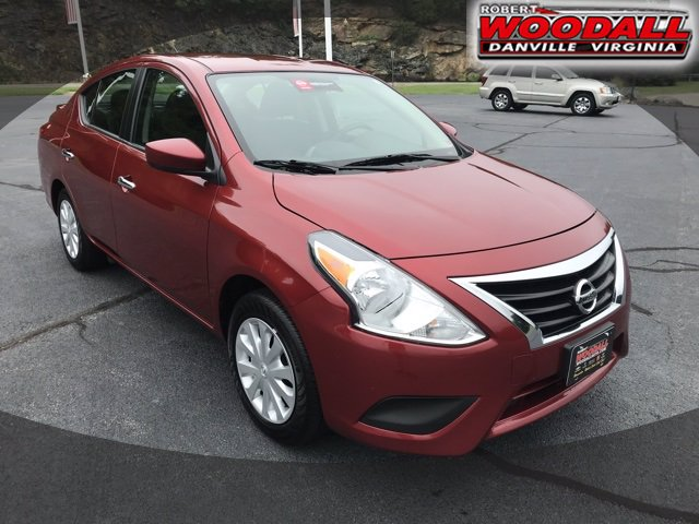 Pre-Owned 2019 Nissan Versa Sedan SV NA Sedan 4 Dr.