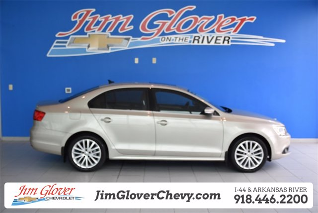 Pre-Owned 2013 Volkswagen Jetta Sedan