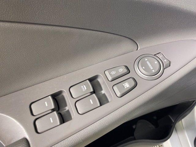 Pre-Owned 2014 Hyundai Sonata