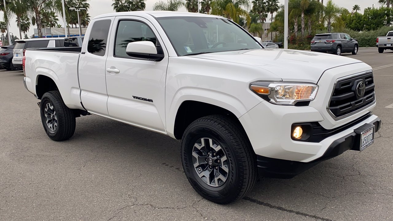 Pre-Owned 2019 Toyota Tacoma 2WD SR Club Cab Pickup