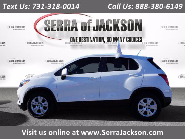 Certified Pre-Owned 2017 Chevrolet Trax LS FRONT WHEEL DRIVE SUV