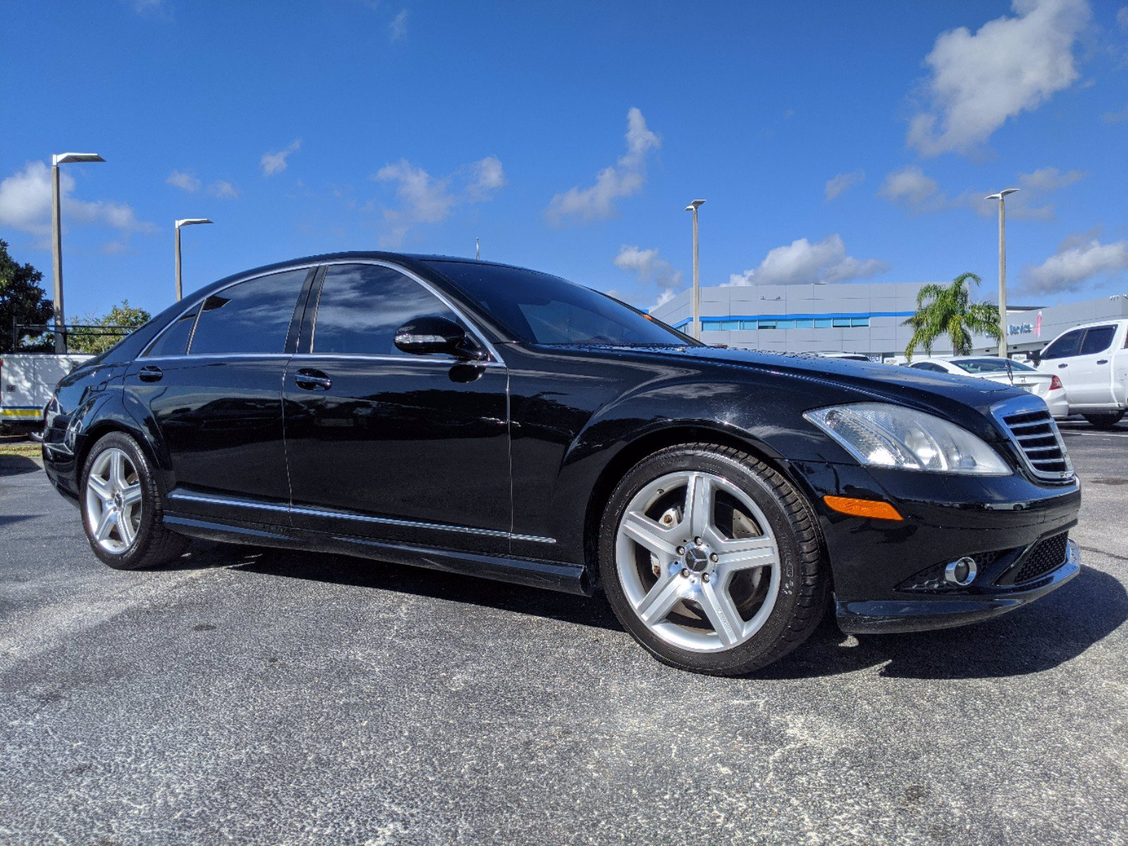 Pre-Owned 2007 Mercedes-Benz S-Class 5.5L V8 Sedan 4 Dr.
