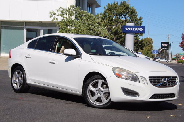 Pre-Owned 2013 Volvo S60 Sedan 4 Dr.