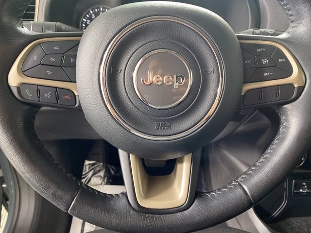 Pre-Owned 2017 Jeep Renegade