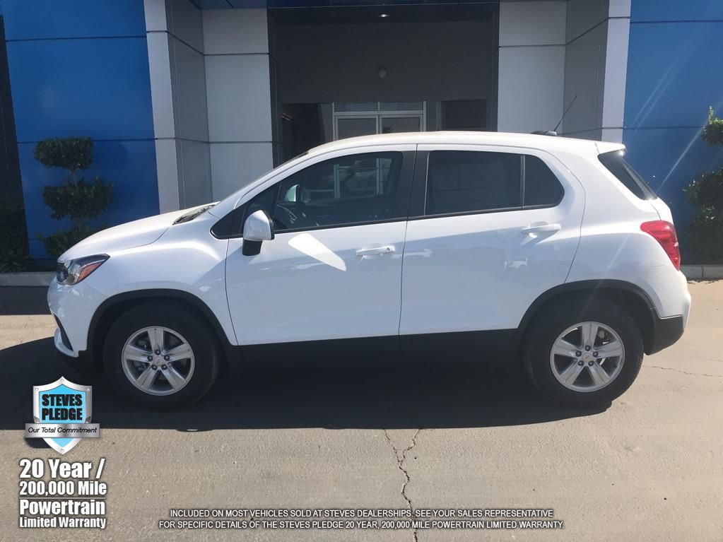 Pre-Owned 2020 Chevrolet Trax LS FRONT WHEEL DRIVE SUV